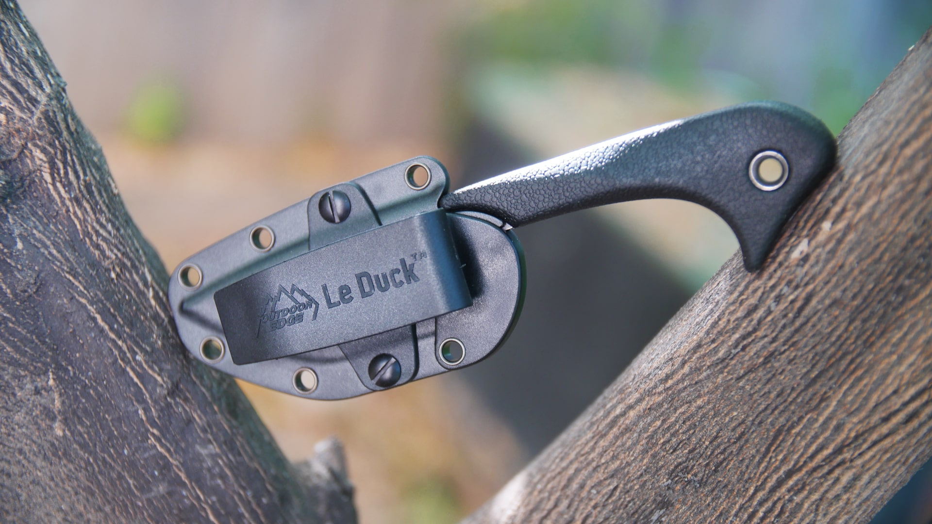 Le Duck Tactical Survival Molle Knife Review